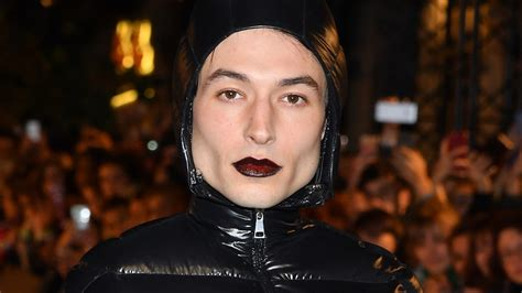 ezra miller outfits ezra miller s fantastic beasts 2 red carpet outfit