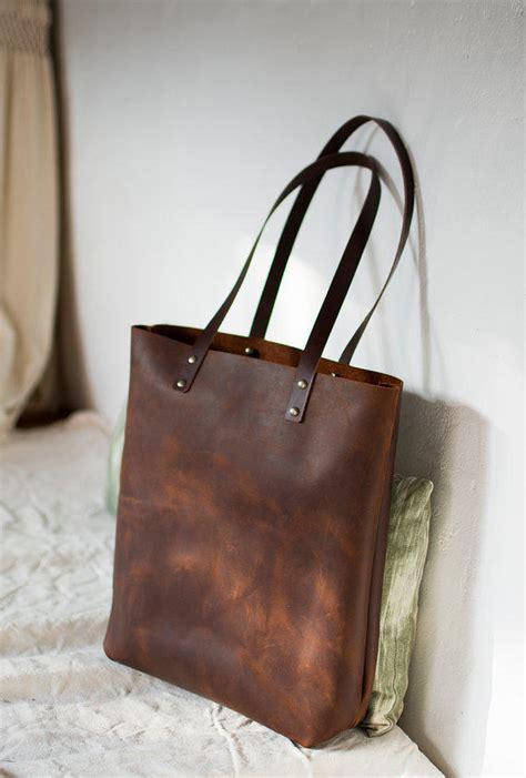 Leather Carrier Bag For The Who Has Everything by Brown Distressed Leather Bag Quot Illa From Vermutatelier