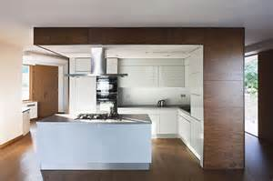 finishes wood kitchen cabinets