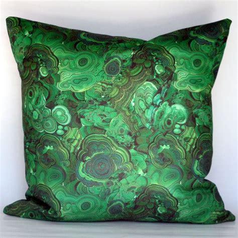 Green Accent Pillows 25 Best Ideas About Green Pillows On Green