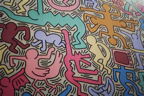 keith haring wall mural street art pisa graffiti