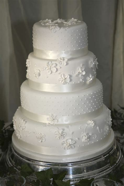 Tiered Wedding Cakes by Wedding Juliet Stallwood Cakes Biscuits