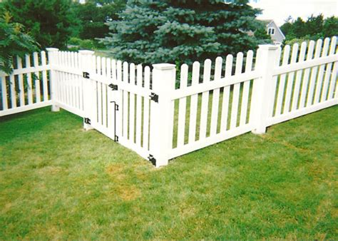 backyard vinyl fence backyard vinyl fence 28 images 1000 images about dream