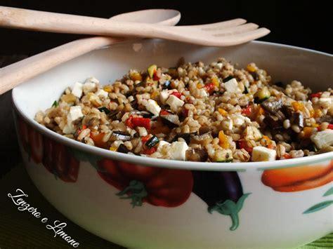 cucinare orzo e farro insalata di orzo e farro con verdure