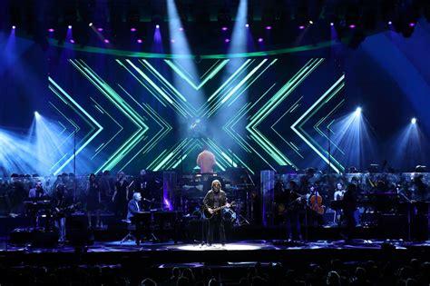 electric light orchestra review jeff lynne s elo the bowl la