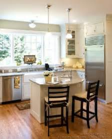 small kitchen layout with island 25 best ideas about small kitchen islands on