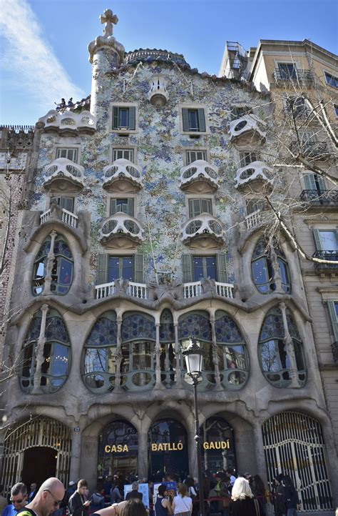 design house barcelona lighting casa batll 243 barcelona rob tomlinson