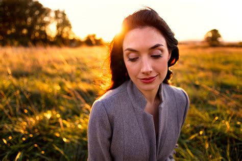 best 35mm lens why you should use wide angle lenses for portrait photography
