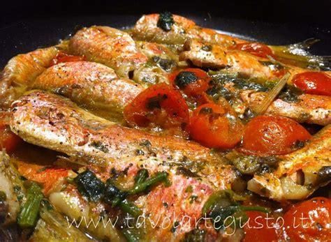 cucinare triglie al forno triglie al pomodoro ricetta triglie al pomodoro