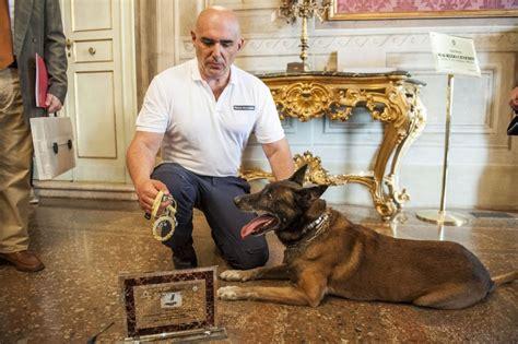 bologna vasco vasco il poliziotto premiato dal comune di bologna