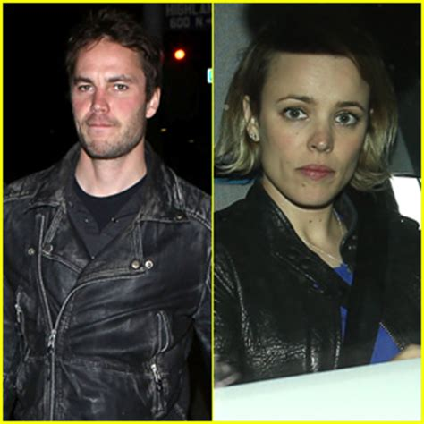 true detective stars rachel mcadams and taylor kitsch are taylor kitsch and rachel mcadams have dinner together in