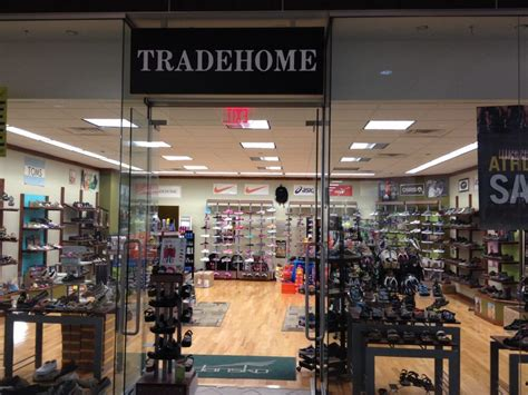 tradehome shoes shoe stores 2953 e 3rd st bloomington