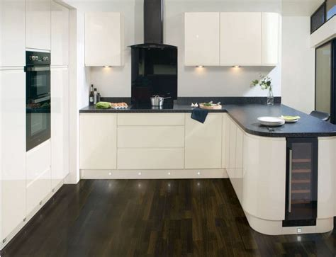 cream gloss kitchens ideas best 20 kitchen trends ideas on pinterest kitchen tops