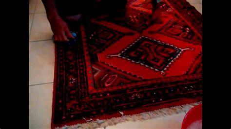 lavare tappeto non lavare tappeto in giardino lava a casa senza