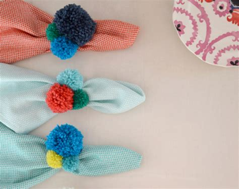 pom pom craft projects 60 amazing diy pom pom crafts