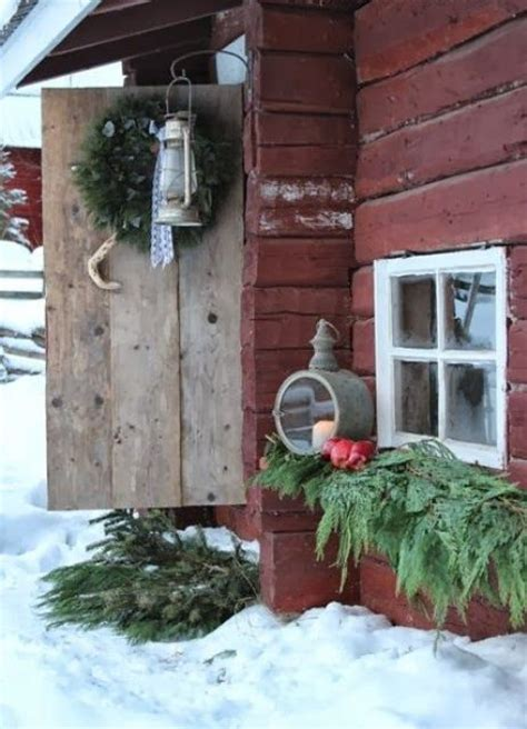 40 rustic outdoor christmas decorations ideas christmas 40 comfy rustic outdoor christmas d 233 cor ideas digsdigs