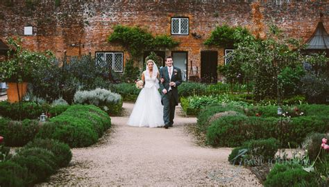 wedding photography at the walled garden cowdray pjphoto