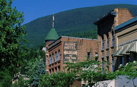 best small towns in canada canadian towns to visit canada s best small towns the great canadian bucket list