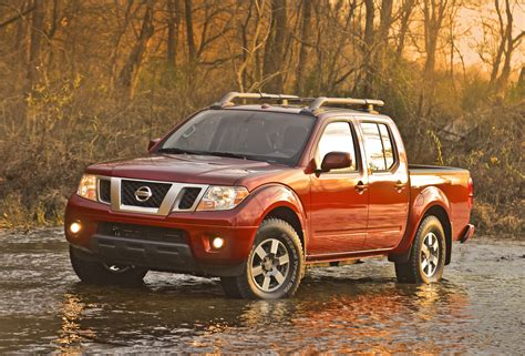 How Is A Nissan Frontier 2013 Nissan Frontier Crew Cab Vs Toyota Tacoma Palm