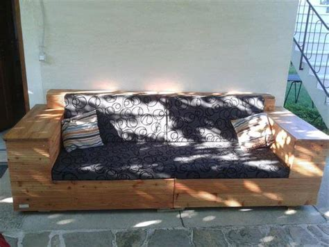 outdoor cushions for pallet couch diy pallet outdoor sofa with cushion 99 pallets