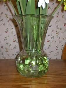 vintage clear glass ribbed fluted flower vase