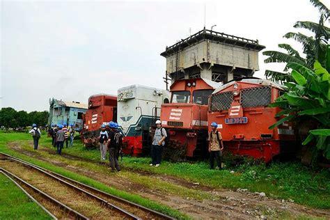 Cari Afkir gambar lokomotif diesel hidrolik tua riwayatmu kaori