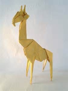 3d Origami Giraffe In White zoo animals 171 friesen folding