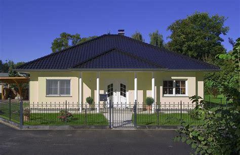walmdach ausbauen dachneigung beim bungalow das sollten sie wissen