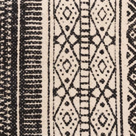 tappeti etnici tappeto etnico bianco e nero mobili etnici provenzali