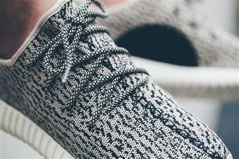 Sepatu Adidas Yeezy Boost Pink Motif Sport Adidas X Kanye West Yeezy Boost 350 Nouvelles Images