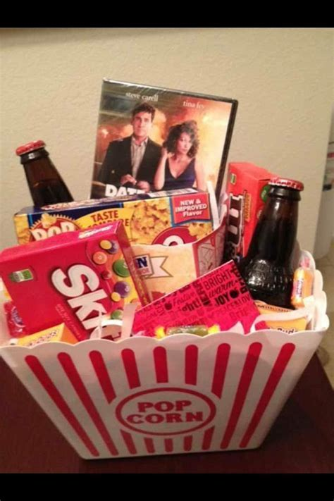 Gift basket idea!   Gift ideas   Christmas gift baskets