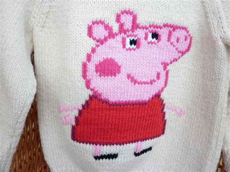 pattern for peppa pig jumper this sweater fits a 22 chest or a 2 3 year old and has