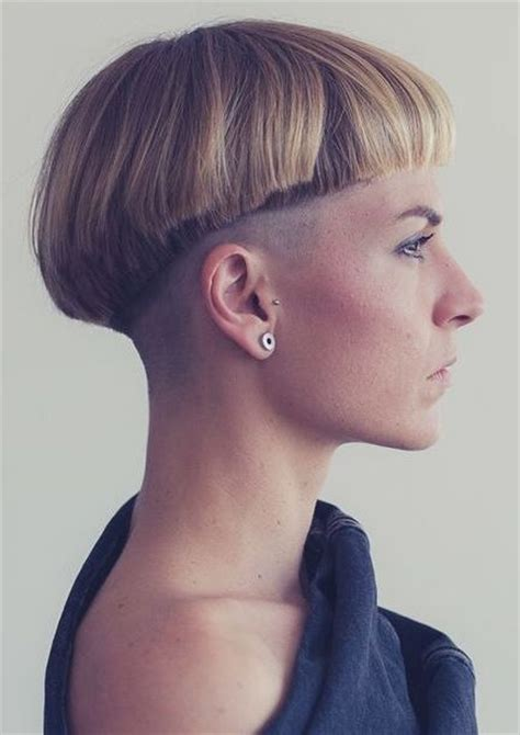 women with bowl cuts 389 best bowl cuts images on pinterest headdress short