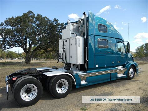 2009 volvo vnl 780 conventional sleeper truck in