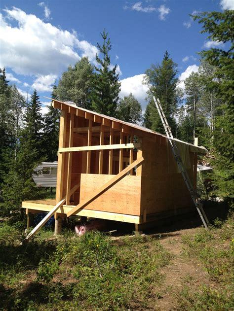 canadian cabin   rockies small cabin