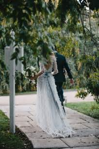 dress for outdoor fall wedding outdoor fall wedding once wed