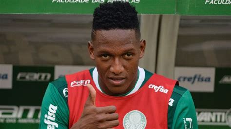 yerry mina barcelona extend option on palmeiras defender yerry mina