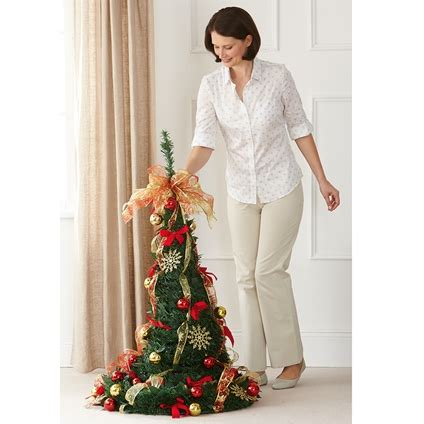 collapsible decorated christmas trees collapsible decorated tree innovations