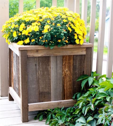 ana white upcycled cedar planters diy projects
