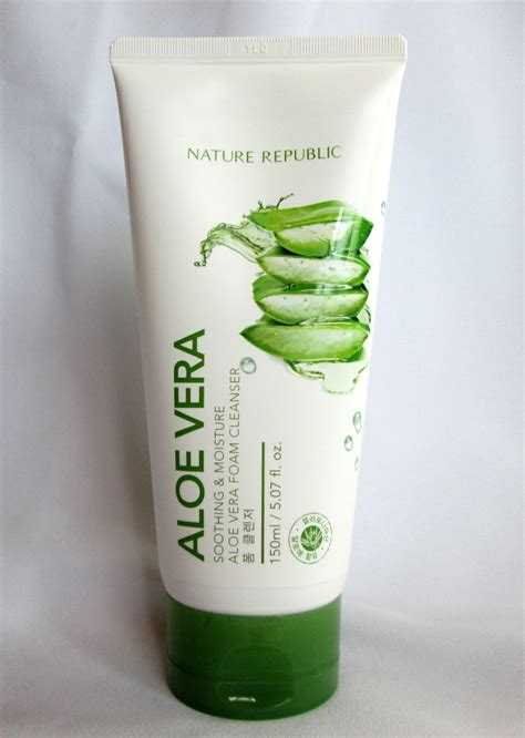 Nature Republic Aloe Vera Soothing And Moisture Cleansing Gel Foam lucky citrine nature republic soothing moisture aloe