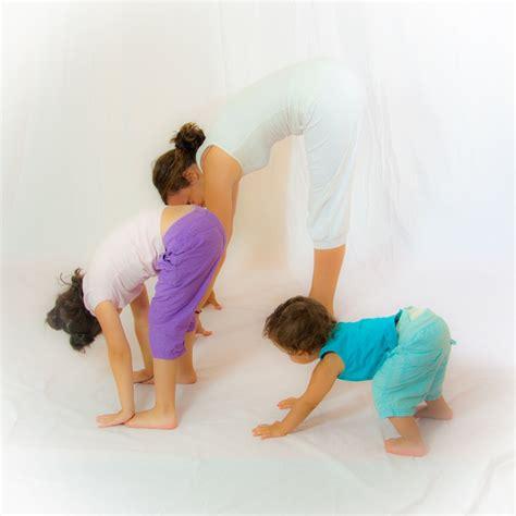 imagenes de yoga de tres personas taller de yoga para ni 241 os om 4 kids yoga en red