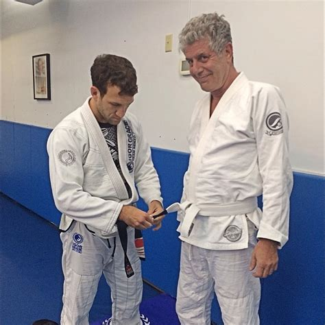 anthony bourdain and tre cool chef anthony bourdain earns his stripe at gma renzo