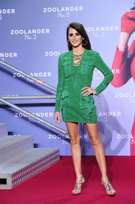 penelope green penelope cruz s green suede pockets lainey gossip lifestyle
