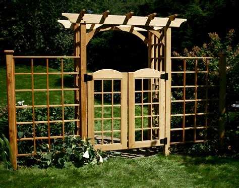 walpole woodworkers coupons wood fence and gate vinyl fences gates walpole woodworkers