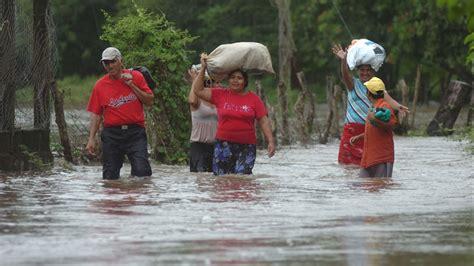 imagenes de hola el salvador ocho mil comunidades con plan de emergencia a medias