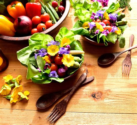 best flower food 6 edible flowers for beauty food and medicine gardens all