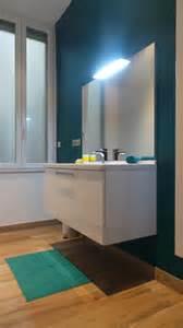 davaus net salle de bain blanc gris bleu avec des
