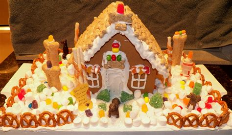 Gallery A Gingerbread House In Gingerbread House Contest 2015