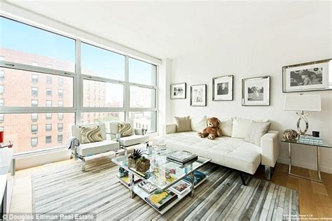 gigi hadid lists luxury new york apartment for a cool