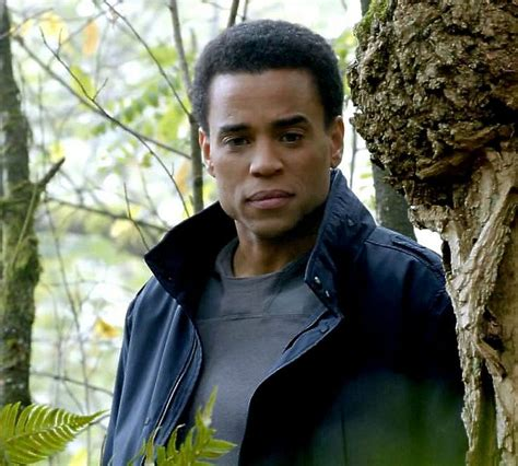 michael ealy brother michael ealy as dorian from almost human season 1
